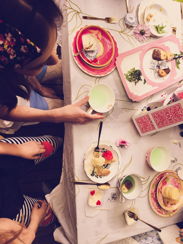 Alice in Wonderland Party on a budget - coloured lemonade